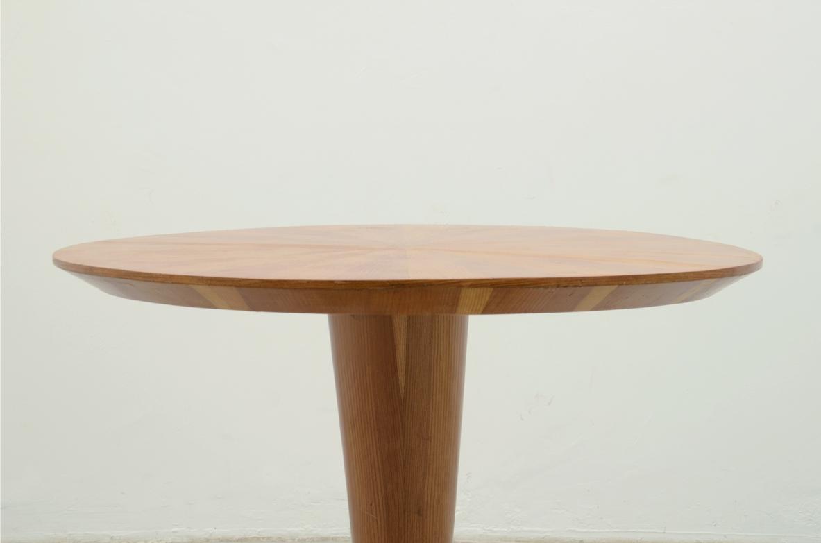 Tavolo Con Gamba Centrale vintage dining table